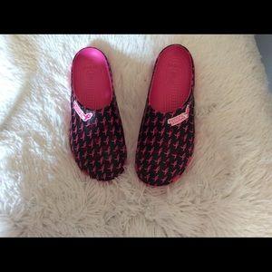 Crocs 9 wide